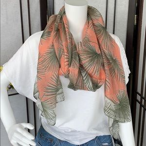 Accessories - NWT scarf